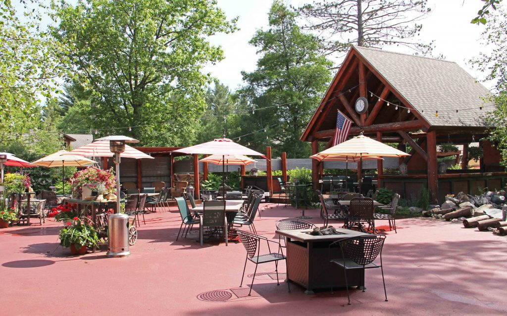eagle-waters-resort-patio
